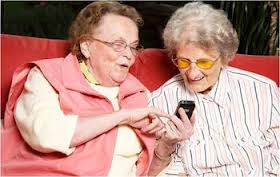 ladies-texting